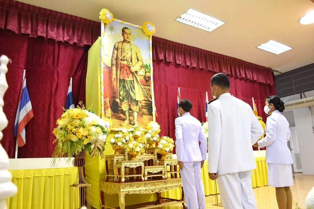 จังหวัดลพบุรี จัดพิธีวันพระบาทสมเด็จพระพุทธยอดฟ้าจุฬาโลกมหาราช และวันที่ระลึกมหาจักรีบรมราชวงศ์ ประจำปี 2564